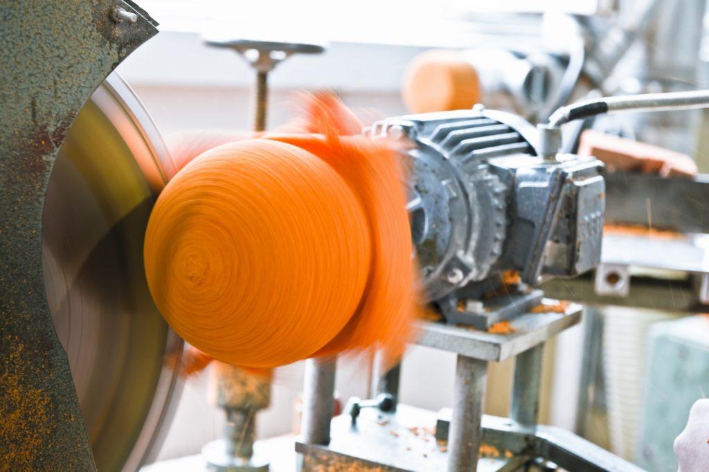 Der Pipeform Schwammgummi bietet seinem Nutzer aufgrund seiner besonderen Abriebsfestigkeit und Elastizität vielseitige Einsatzmöglichkeiten.
