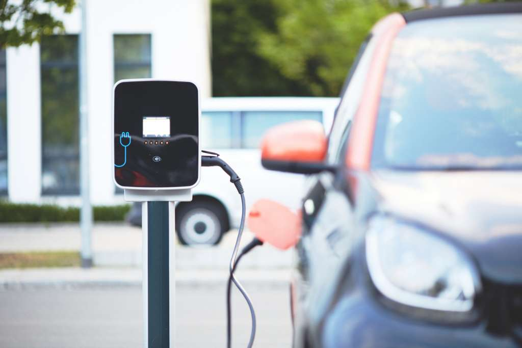 The EU Commission is promoting the development of innovative and sustainable technologies for long-life lithium-ion batteries, such as those needed for the production of electric cars.